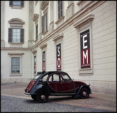 Rolleiflex Italy Trip 2015 (20) (Hans Kerensky) Tags: milan como 120 tlr rolleiflex lago fuji scanner milano citroen august muse di 2cv 100 reala automat 35a 2015 plustek duom opticfilm anywhitefieldtagbyflickrsspamtagbot