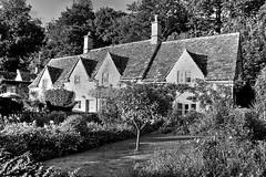 BIBURY, UK (toyaguerrero) Tags: uk inglaterra england blackandwhite bw english blancoynegro rural britain cottage cotswolds gloucestershire bwblackandwhite bibury quintessential englishness maravictoriaguerrerocataln toyaguerrero