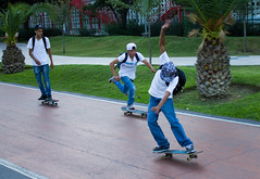 jvenes en patineta young people skateboarding (Jos X) Tags: people mexico gente young skateboard monterrey jovenes patineta
