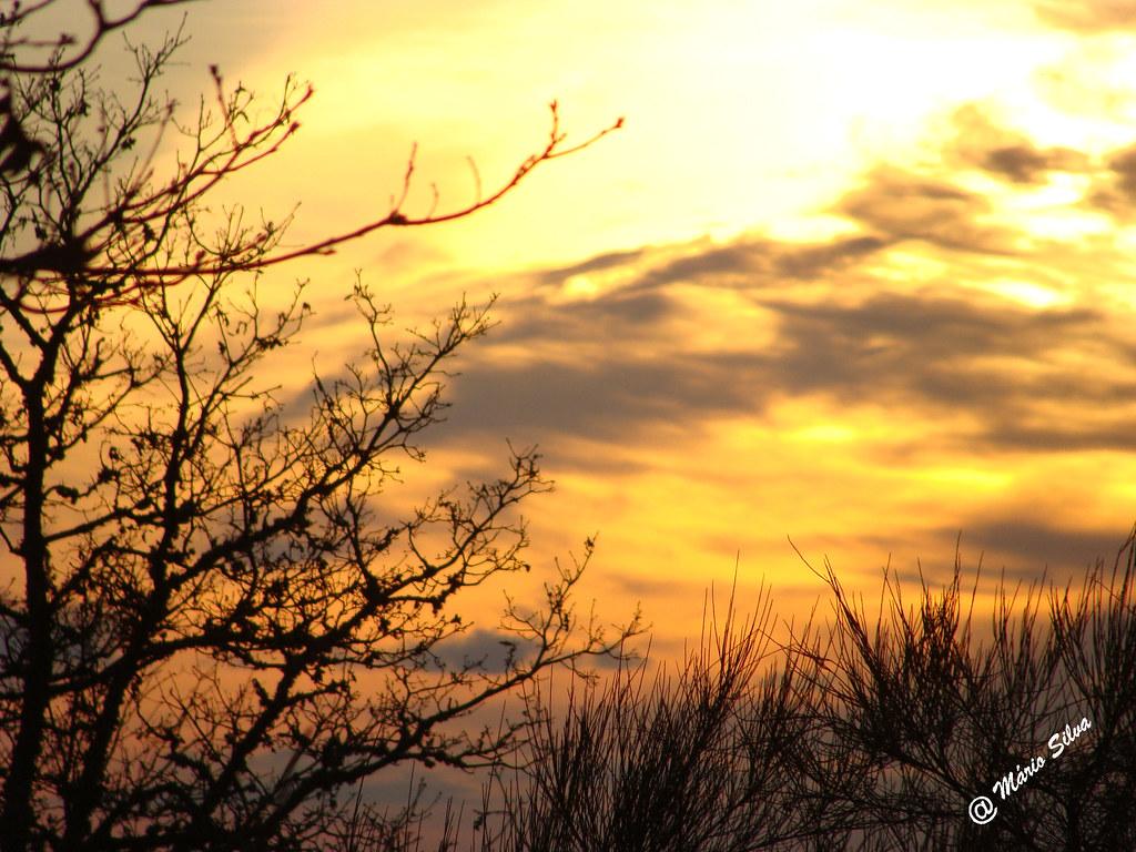 Águas Frias (Chaves) - ...e o sol esconde-se em tarde de inverno ...