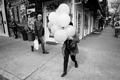 Head Balloon (Tony__K) Tags: contax t3 bw blackandwhite film analog iso400 film:iso=400 film:brand=fuji neopan nyc ny street streetphotography grain