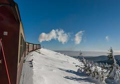 sky train (Karl-Heinz Bitter) Tags: brocken deutschland europa harz jahreszeiten niedersachsen winter germany train zug travel schnee snow trees