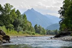 Gave et montagne (Mystycat =^..^=) Tags: pyrénées france hautespyrénées midipyrénées gavedepau montagne rivière gave végétation ciel nuages eau