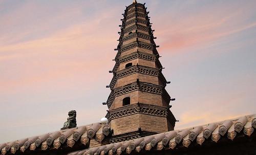 "Torres legendarias / Faros, minaretes, campanarios, rascacielos • <a style=""font-size:0.8em;"" href=""http://www.flickr.com/photos/30735181@N00/32493409426/"" target=""_blank"">View on Flickr</a>"