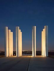 Ce soir l'esplanade de Paris, les douze colonnes