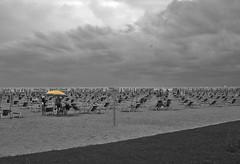 Bibione 12.08.06 (IvanFas) Tags: spiaggia beach estate summer ombrellone
