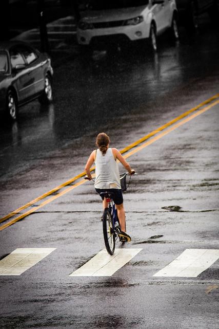 Sous la pluie - Under the rain