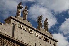 Alegoría de las musas (Fachada del Teatro Principal -Zaragoza-) (Egg2704) Tags: españa teatro spain arte zaragoza escultura artes musa nwn aragón musas egg2704 dibujandomibarrio
