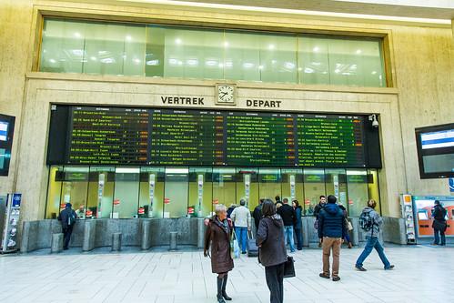 Bruxelles - Alerte maximale - Gare Centrale (Central Station) - Retards...