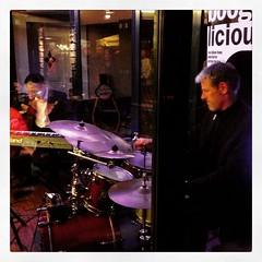 Kneipennacht in der Innenstadt von Gronau... (Marcel van Gunst) Tags: jazz nrw jazzfest gronau kneipennacht jazzfestgronau uploaded:by=flickstagram instagram:photo=97555240403427057355328948 instagram:venuename=cup26cinocoffeehouse instagram:venue=762304954