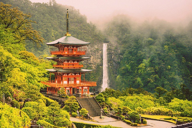 Đền thờ thần Zeniarai Benten ở Daisubu