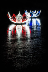 crystal lotus (stachelpferdchen) Tags: berlin night black glow light blue red reflection water ice dark longexposure landscape exterior garden white lake liquid