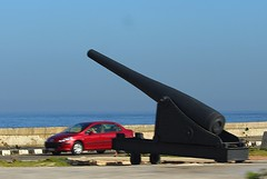 Artillery along The Malecón (jmaxtours) Tags: malecón themalecón artillery havana havanacuba habana habanacuba