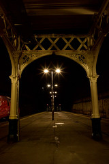Platforms 8w and 9w, Edinburgh Waverley Train Station (David_Leicafan) Tags: 28mmsummicron train station railway edinburgh edinburghwaverley davidbell robertmorham wroughtiron thistles lattice night