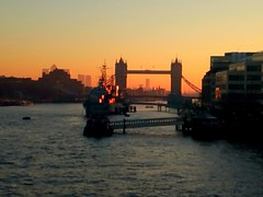 Tower Bridge in the morning light (BKNielsen4) Tags: towerbridge thames river london sunrise warmth walking orange ship navy water buildings hmsbelfast