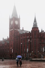 sharing and togetherness (Towner Images) Tags: rain wet mist murky share sharing towner townerimages warmth link together togetherness liverpool brownlowhill universityofliverpool victoriabuilding campus