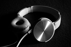 Sony MDR-XB450 (paan.C) Tags: sony brand logo headphones music bw black white panc photography product photodirector mdr xb450 light nikon d3300 bass cabel high contrast 1855