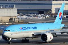 HL8005 | Boeing 777-FB5 | Korean Air Cargo (cv880m) Tags: newyork jfk kjfk kennedy airliner aircraft airplane widebody hl8005 boeing 777 772 77f 777f 777fb5 kal korea koreanaircargo koreanair freighter aircargo