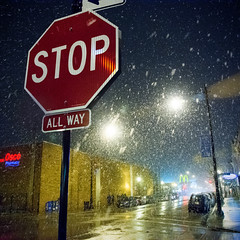 It Begins (Andy Marfia) Tags: urban snow chicago night streetlights snowstorm mcdonalds stopsign f56 andersonville clarkst jewelosco 150sec d7100 iso4500 1685mm