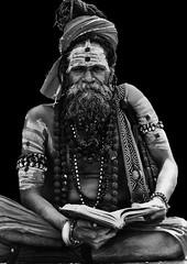 Sadhu - Nepal (Luis Bermejo Espin) Tags: travel nepal portrait india yoga retrato oriente religiones sadhus hind hinduismo yogui filosofaoriental religionesdelmundo rostrosdelmundo retratosdelmundo luisbermejoespn
