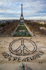 GP0STPH1O (GenderCC) Tags: people paris france outdoors europe day peace eiffeltower aerialview iledefrance climatechange activists renewableenergy peacesymbol largegroupofpeople artinstallations publicengagement actionsandprotests cop21 climatecampaigntitle humanbanneractions kwcigpi