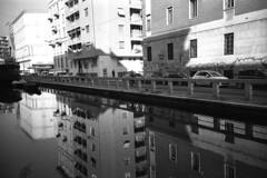 Naviglio (Valt3r Rav3ra - DEVOted!) Tags: lomo lomography lca lomolca streetphotography street sovietcamera acqua water reflections milano analogico film 35mm ilforddelta400 bw biancoenero blackandwhite valt3r valterravera visioniurbane urbanvisions