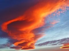 El cielo al amanecer (Antonio Chacon) Tags: andalucia amanecer costadelsol marbella málaga mar mediterráneo españa spain sunrise cloud sky