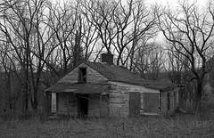 Abandoned House (bclook) Tags: leicam4p canon5014ltm japanesesummilux kodaktmax400 abandoned kentucky schwarzweiss noiretblanc bwfp istillshootfilm buyfilmnotmegapixels
