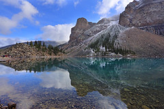 Moraine Lake (lfeng1014) Tags: morainelake banffnationalpark banff alberta canada canadianrockies rockymountains lake water reflection lifeng travel canon5dmarkiii ef1635mmf28liiusm
