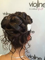 "Coiffure • <a style=""font-size:0.8em;"" href=""http://www.flickr.com/photos/115094117@N03/21394696111/"" target=""_blank"">View on Flickr</a>"