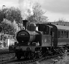 SVR 38047bwcr (kgvuk) Tags: station trains railwaystation locomotive railways steamtrain svr steamlocomotive severnvalleyrailway kidderminster 1450 48xx 4850 14xx 042t kidderminstertownrailwaystation