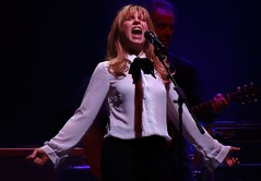 Jackson Browne 2015 Concert - Teresa Williams (MalaneyStuff) Tags: november usa wisconsin riverside sony jackson milwaukee browne jacksonbrowne 2015 jacksonbrownenov2015