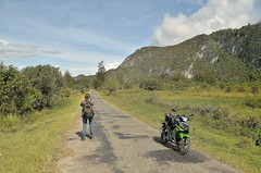 Exploring the Baliem Valley by rented motorcycle [Baliem Valley / Papua / Indonesia] (babakotoeu) Tags: indonesia explore valley motorcycle papua baliem rented