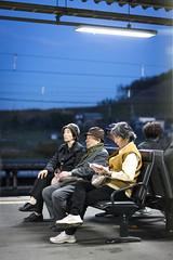 Esperando el ultimo tren (Laura RGrandal) Tags: japan tren nara estacin
