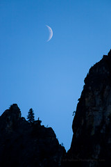 Cresent Moon in Yosemite (Jeffrey Sullivan) Tags: crescent moon yosemite national park night astrophotographer caliofornia usa waterfall lanscape nature photography canon 5dmarkii photo copyright otober 2011 jeff sullivan twilight blue hour lunar