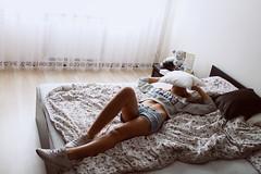 (j-kane) Tags: girl woman kobieta dziewczyna beauty lady portrait portret inside bed bedsheet bedding pillow teddy bear light legs reebok sneakers sweater belly jeans shorts body fit sexy