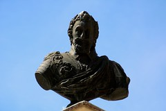 Fontaine-Française / Buste du roi Henri IV (Charles.Louis) Tags: côtedor bourgogne fontainefrançaise henriiv roi france bataille victoire fontaine patrimoine histoire