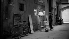 street light (dACE :)) Tags: catalunya espanya españa spain barcelona bcn bicicletas bicicletes bikes born calles carrers catalonia cataluña deporte esports f2 film gent gente kodak people prioritya sports street streetphotography tmax100 yongnuo50mm es