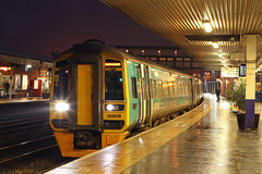 158818 Class 158 Express Sprinter DMU (Roger Wasley) Tags: 158818 class 158 express sprinter arriva trains wales gloucester railways dmu diesel multiple unit station canon ef 24105mm f4l is ii usm lens test review