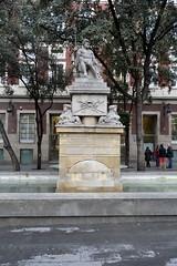 FONT DE NEPTÚ, (1826) d'ADRIÀ FERRAN I CELDONI GUIXÀ (Yeagov_Cat) Tags: 2017 barcelona catalunya fontdeneptú font neptú adriàferran celdoniguixà 1826 plaçadelamercè 1919 1975 1983
