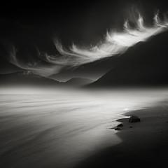 Light (Eric Frey84) Tags: mer noir et blanc contraste nuage minimaliste fine art carré paysage