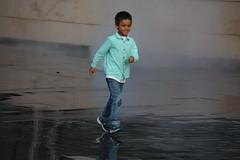 Enfant dans les nuages (ocaylus) Tags: reflection building art water mirror louis eau image reflet reflect reflexion vuitton mirroir fondation