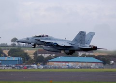 166681 F18 US NAVY BLACKLIONS (douglasbuick) Tags: scotland us airport nikon flickr aircraft military navy super hornet f18 prestwick d40 166681