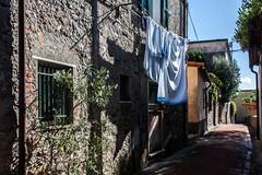 Quotidianit (smenega) Tags: italy italia vicolo vicoli laspezia lavaggio pannistesi panni montemarcello iborghipibelliditalia