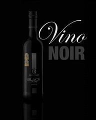 Vino Noir (CraigDawson) Tags: red black reflection wine redwine product winebottle vino perspex plexy strobist lencarta smartflash