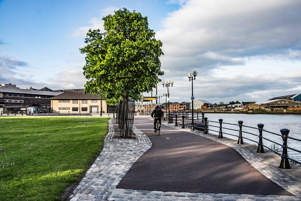 A WALK ALONG THE LAGAN TOWPATH [BELFAST]-108984
