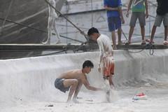 Anak Kapal (Ahsan Bani) Tags: canon harbour candid anak sundakelapa kapal 600d shipboy