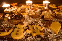 Plätzchen (fadenfloh) Tags: weihnachten xmas christmas plätzchen kekse cookies cookie kerze candle winter dezember december schockolade chocolate