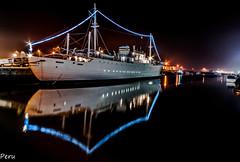 Ghost ship (Perurena) Tags: barco muelle ship harbour mar sea oceanoatlantico amarrado luces lights noche night nocturna largaexposición longexposure vianadocastelo portugal