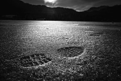 ...happy twothousendseventeen ... (*ines_maria) Tags: 31122106 2106 selfie carinthia lake outdoor monochrome blancetnoire blackandwhite be pov dof mountain footprint ice eis kärnten weisensee